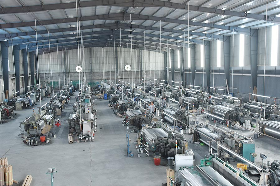 2006, again expand the scale of weaving equipment to 20 sets, and equipped  relevant inspection equipments